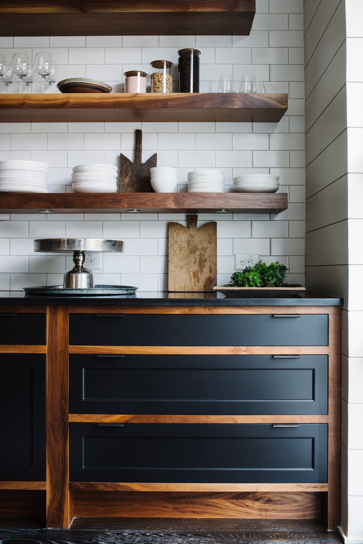 Delightful Wooden Open Shelving Subtile Kitchen Design | Smith Hanes Studio