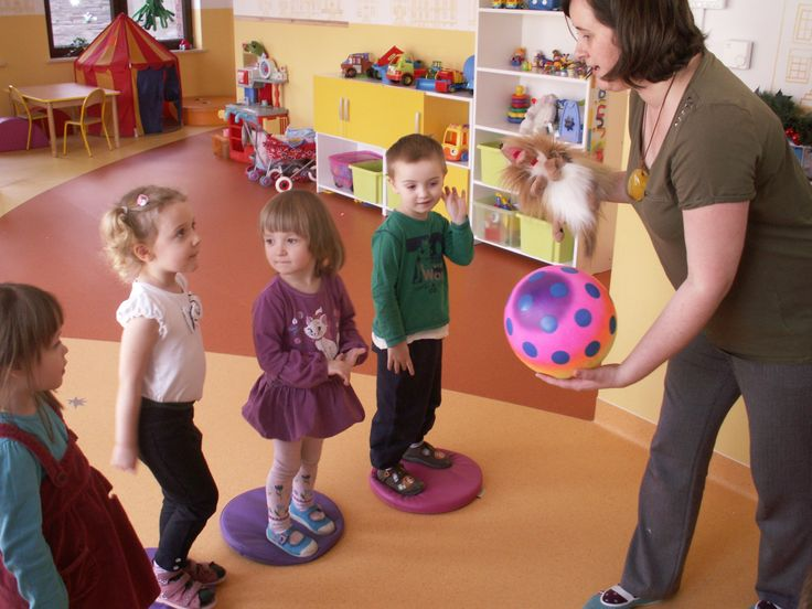 Zabawy po angielsku. Więcej na www.madrymaluch.edu.pl