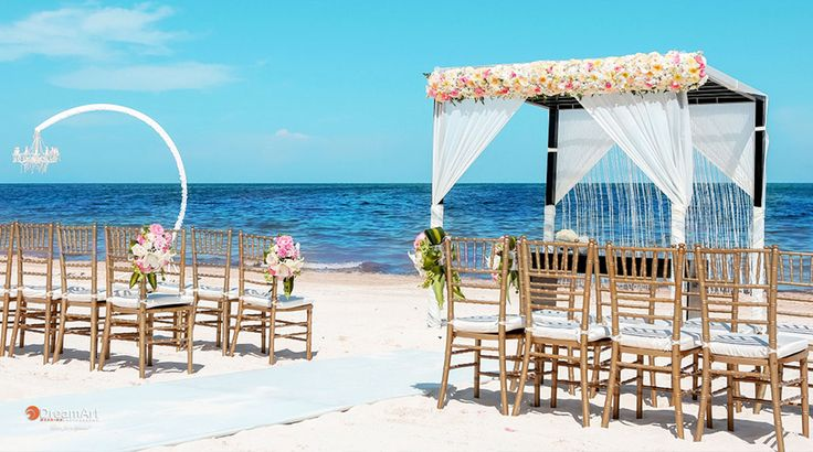 Transition from elegant wedding ceremony to chic reception without losing the magical moment | Palace Resorts Weddings ®