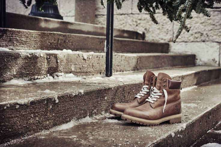 Inspired by our New England roots, the Vintage Pond Hockey has laces that make our ice skates jealous.