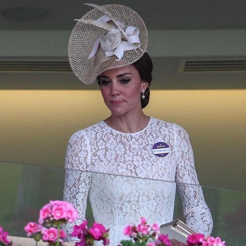 Kate Middleton è di nuovo incinta, così Pippa rimanda il matrimonio. E nemmeno la regina pare troppo entusiasta...
