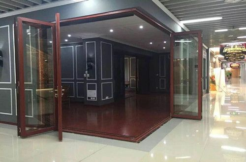 The Residential 70-series Folding Doors 90-degree Angle to Open is represented by BRIO Windows & Doors System Co., Ltd.  Panel size can up to (W) 1 meter X (H) 3.2 meter. Also, this type folding doors can achieve 90 degrees angle to open, it's relatively rare in the industry, and can help to create greater vision space.
