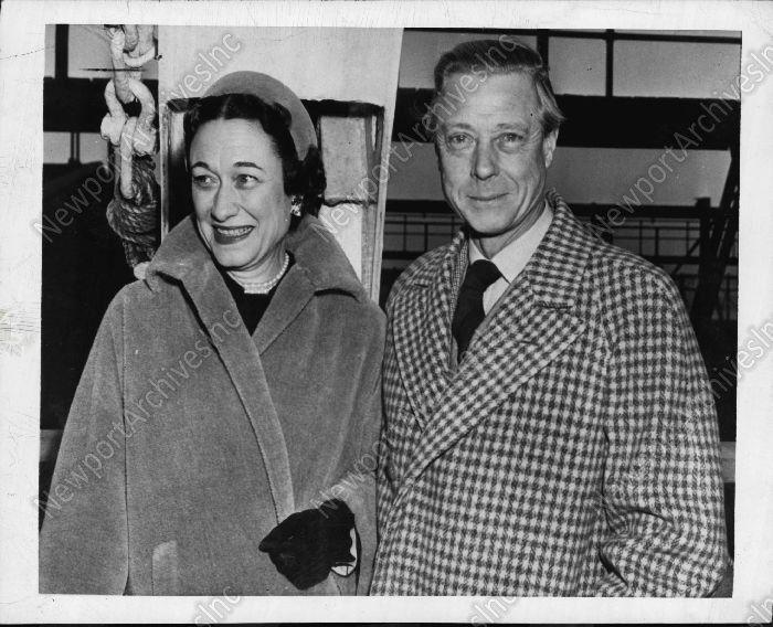 1950 FANTASTIC Photo of Duke & Duchess of Windsor Spike Rumors of Rift