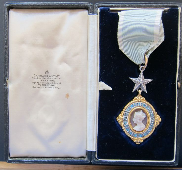 Order of the Star of India (C.S.I.) neck badge, case of issue | British Medals by Rennie Alcock