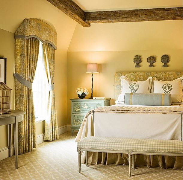 We would love to come home to this bedroom designed by Lucas Eilers Design Associates | Leontine Linens