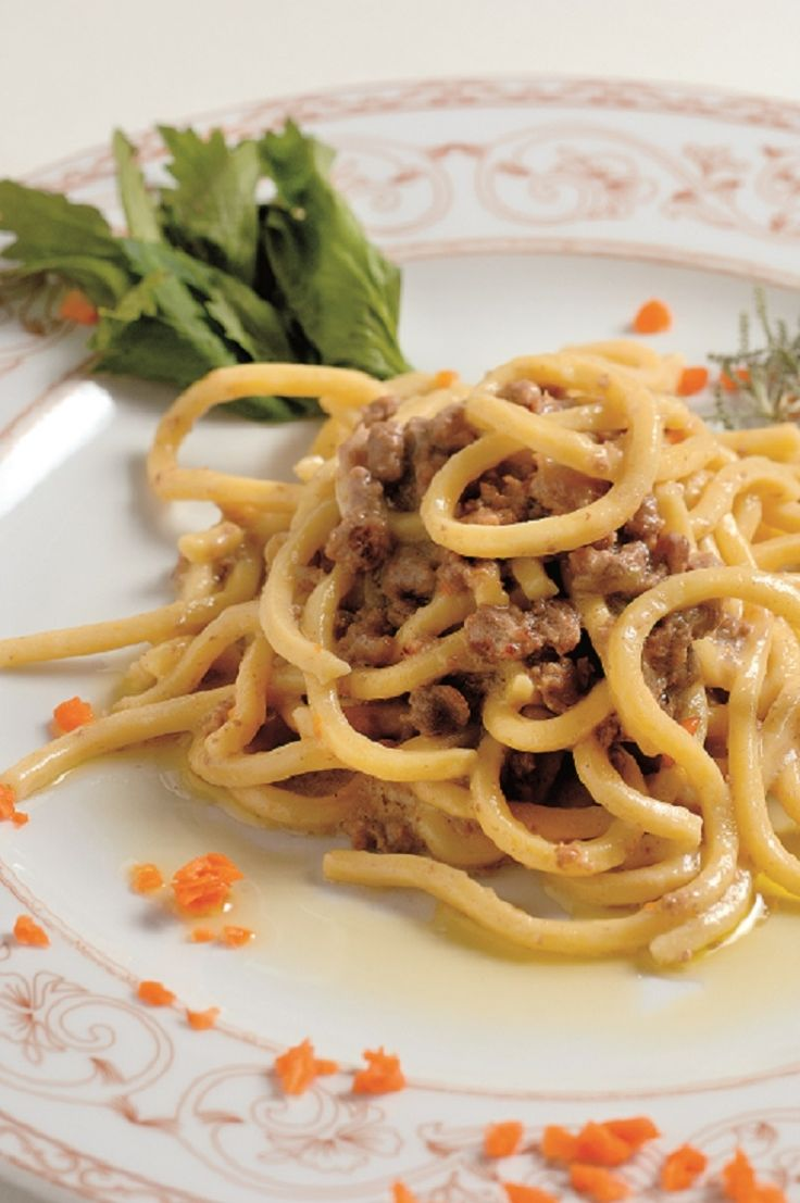 Bigoli con L'Arna or Bigoli with Duck Ragù is one of the most mouthwatering dishes of Vicenza's cuisine in the region of Veneto, #Italy! Find out the recipe on #tastingeurope, #visiteurope