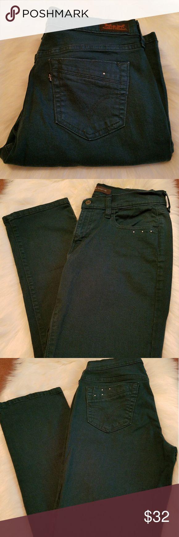 "Levis 505 Straight Leg Jeans Levis 505 Jeans Straight Leg Boot Cut Color- Hunter Green Size 8  Waist 29"" Length 32"" Excellent Used Condition Levi's Jeans Boot Cut"
