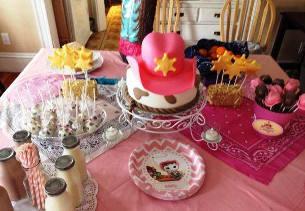 Sua filha pediu uma festa da Xerife Callie no Oeste? Saiba que a gatinha do desenho do canal Disney Junior faz o maior sucesso entre a criançada.