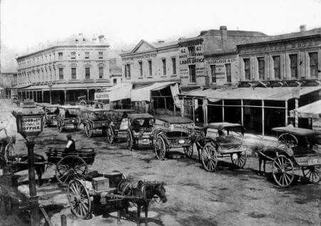 Horse drawn cabs on Swanston St,Melbourne in 1862.Photo from Fairfax Archives.A♥W