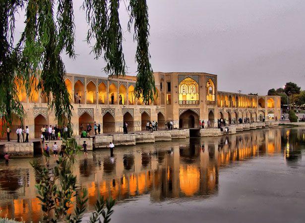 Amazing, I would love to to walk this!!! Khaju Bridge (Isfahan, Iran)
