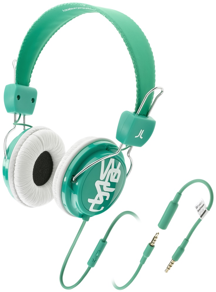 Cuffie per musica con prolunga per allungare il cavo e microfono per rispondere al telefono.  Driver di potenza 40 mm Sensibilità 1kHz: 120 dB Impedance: 32 Ohms Gamma difrequenza: 20-20 001 Hz Plug: gold-plated 3,5mm stereo Cavo: 0,5m + 1,0m extension + 0,1m adaptor, PVC Peso: 147g.    Prezzo: 45.00€    SHOP ONLINE: http://www.aw-lab.com/shop/accessori/cuffie/wesc-conga-premium-headphones-9907053