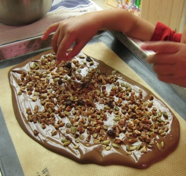 chocolate bark - an easy to make holiday treat!