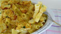 LaPasta e cavolfiore al fornoè un piatto semplice e facile da preparare, inoltre, il formaggio fuso, conferisce gusto e cremosità al piatto.-