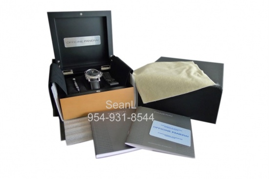 Panerai 112 Luminor Marina Manual Wind 44mm Stainless Steel  http://www.collectionoftime.com/specification.php?wid=208=16=11