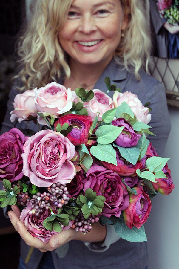 Bukieciki sztucznych kwiatów wysokiej jakości od tenDOM