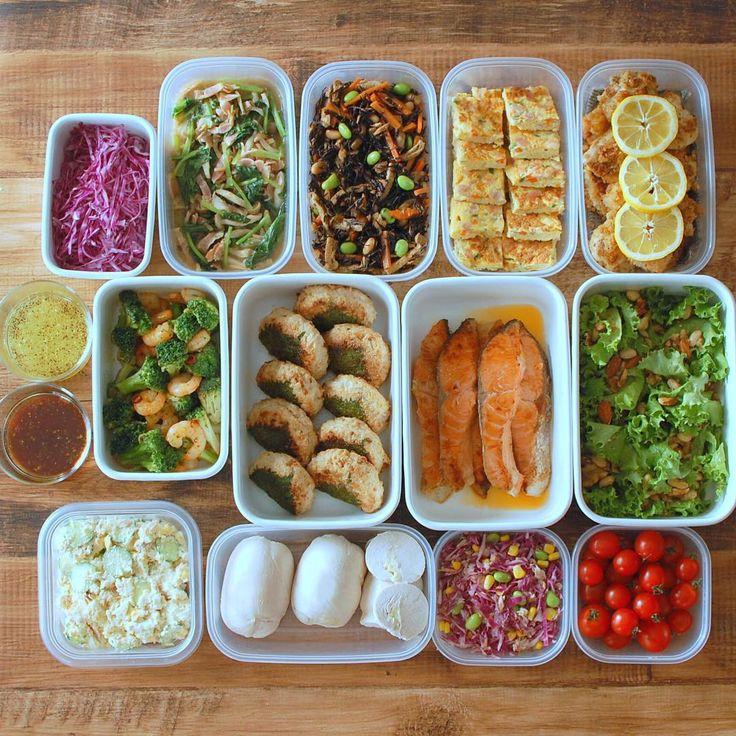 忙しい毎日の中で、作り置きできるおかずが冷蔵庫に何品か入っていれば心強いもの。料理にかける時間が少なくなる分、ゆとりも生まれてくるでしょう。そんな時短を叶える優秀なおかずレシピを一挙にご紹介します。