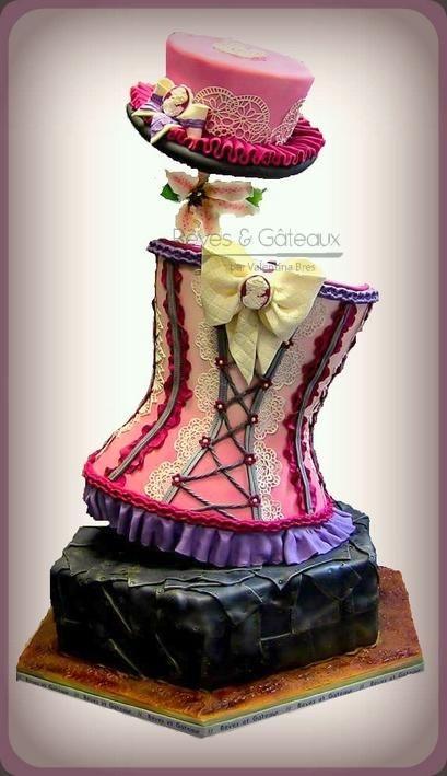 Burlesque cake by Rêves et Gâteaux