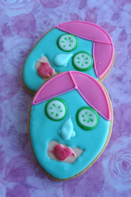 spa/facial cookies by Marlyn of Montreal Confections