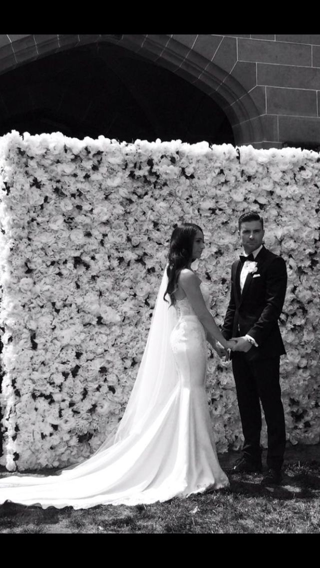White Luxe #flowerwall