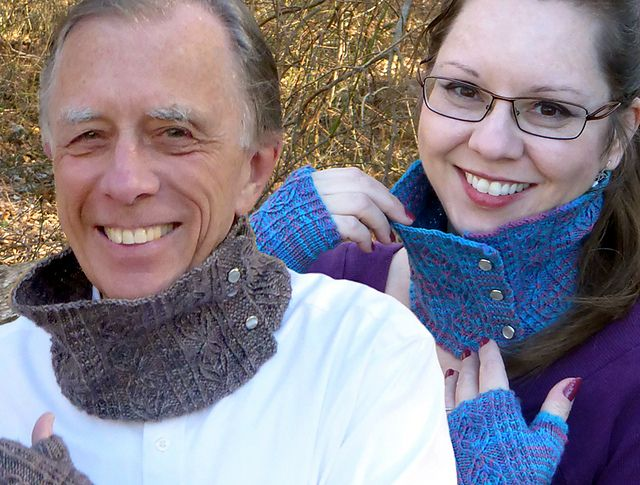 Ravelry: Wheat and Clover Cowl pattern by Caroline Steinford