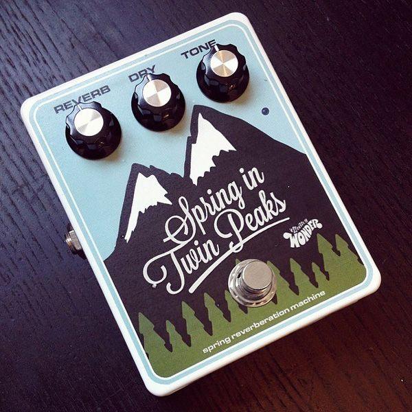 Spring in Twin Peaks pedal by Effectivy Wonder. Spring reverb pedal. Guitar FX. Pedalporn. http://effectivywonder.com/