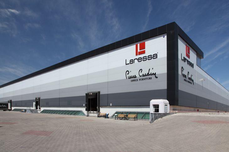 Türkiye'de yatırımcı ve tasarımcıların referans markası olan Teknopanel, yapıların işlev ve ihtiyaçlarına en uygun çatı ve cephe panel alternatiflerini sunuyor.