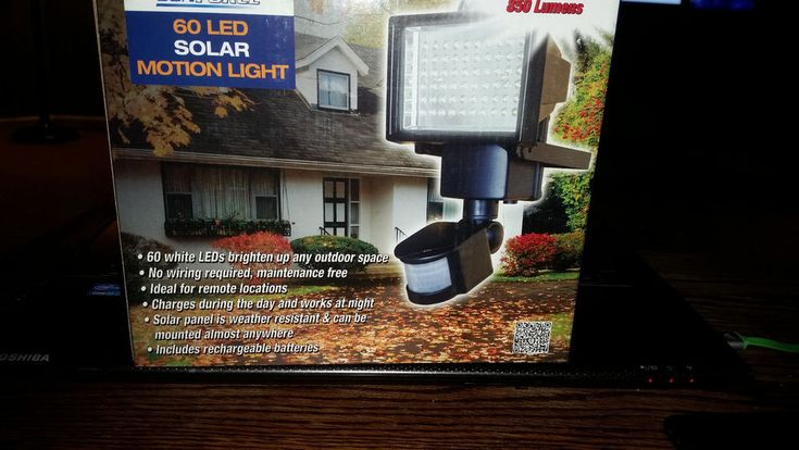 Sunforce 82156 60-LED Solar Motion Light New #Sunforce