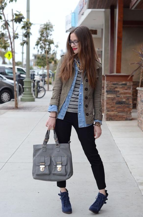 .: Fashion Clothing, Fall Mantles, Blue Jeans, Chambray Shirts, Denim Shirts, Stripes Shirts, Looks Book, Fall Outfit, Geek Chic