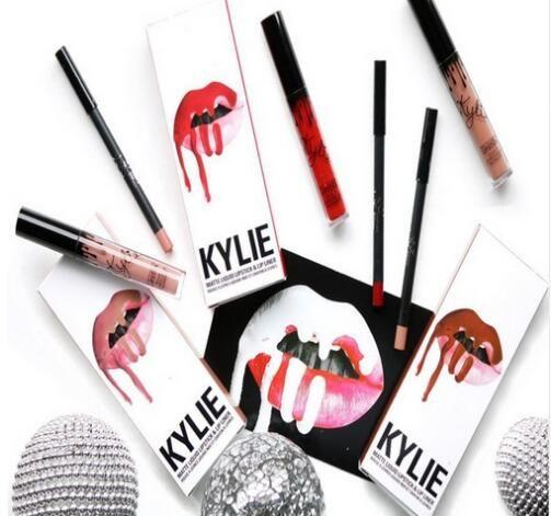 Z Alieexpres to oczywiście podróba szminek Kylie - Lip kit, kolor chociażby Koko K, aczkolwiek każdy inny też będzie extra xD