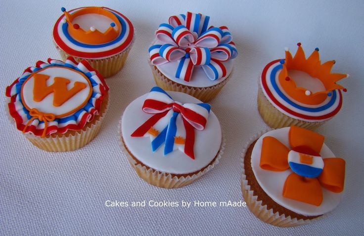 Cakes and Cookies by Home mAade: Thema 6: Feest in Nederland ~ Dag 3: Koninklijke cupcakes