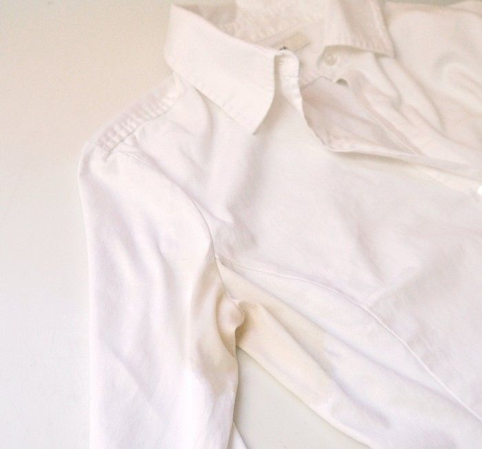Как удалить пятна на одежде от дезодоранта: белая ткань