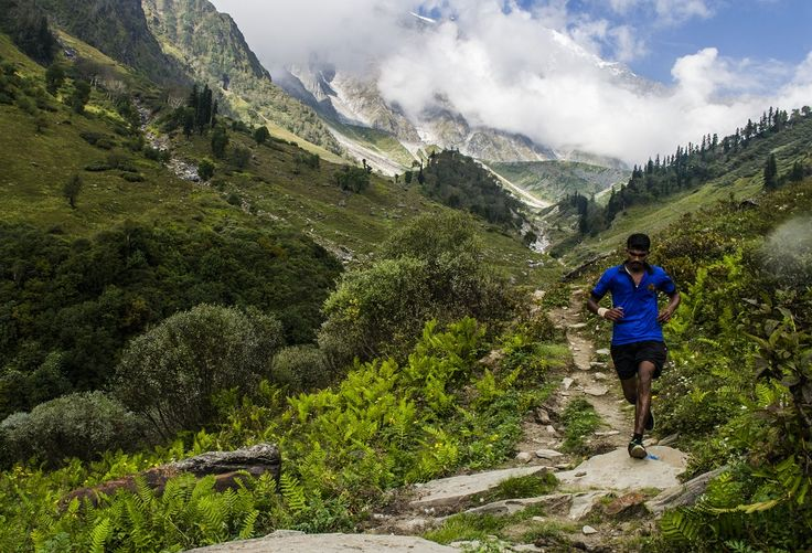 The Famous Skyrunning Race Hosted By Manali - Manali Lad Wins The Title  >>> The Chief Engineer of the Project #Rohtang Tunnel Brig. DN Bhatt was invited as chief guest & he flagged-off the race at 6am. The race began at the altitude of 2,450 meters in #SolangValley. The total elevation gained in the 30km category was 2,650 meters however, the elevation was double in the 60km category.   #SkyrunningRace #Manali