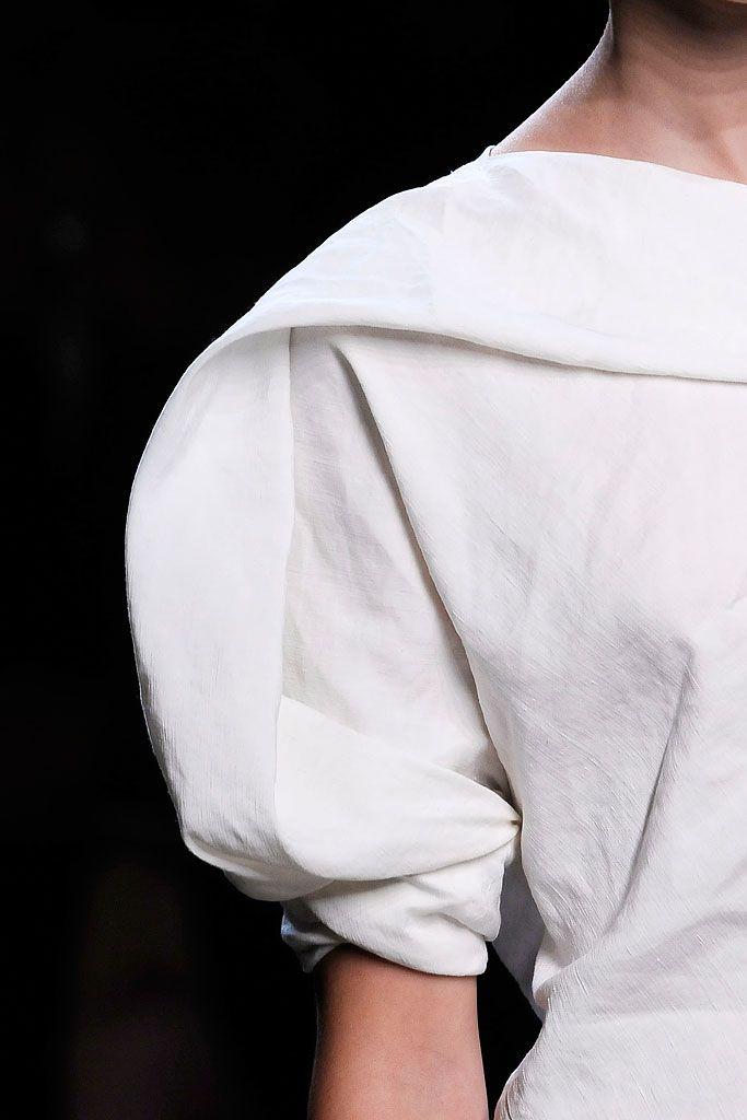 Draped sleeve detail - white dress close up; sculptural fashion details // Bottega Veneta