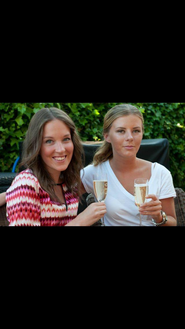 Hanna & Ellen sommaren 2014