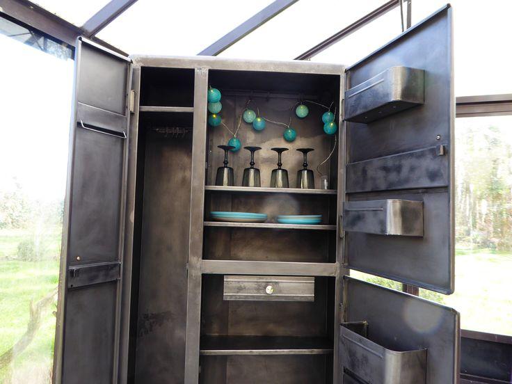 les 62 meilleures images du tableau armoire industrielle sur pinterest. Black Bedroom Furniture Sets. Home Design Ideas