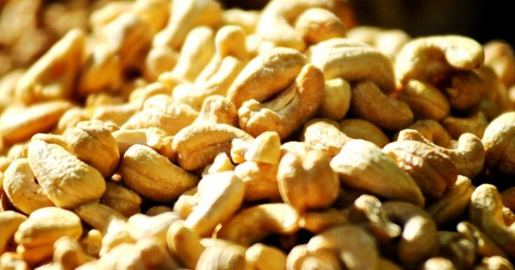 Ai nevoie de o gustare rapidă şi sănătoasă? Vrei ceva care să nu-ţi crească aportul caloric? Atunci nucile caju sunt alegerea perfectă pentru tine.