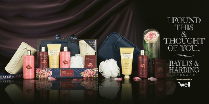 Treat someone special to this beautiful Royal Bouquet travel bag set this Christmas, packed with indulgent delights.