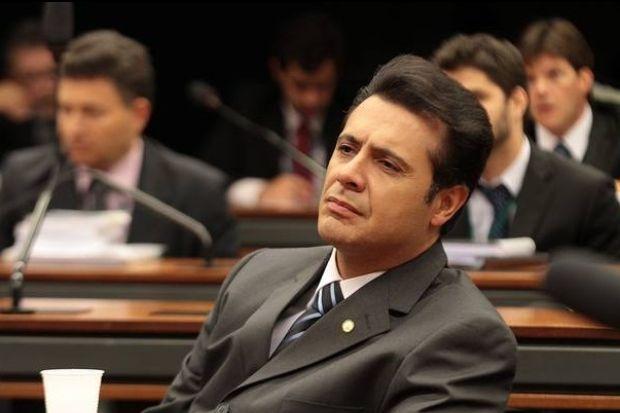 """Deputado paulista Marcelo Aguiar quer coibir masturbação  Ele quer que as operadoras telefônicas criem uma maneira de vetar """"conteúdos de sexo virtual, prostituição e sites pornográficos"""""""