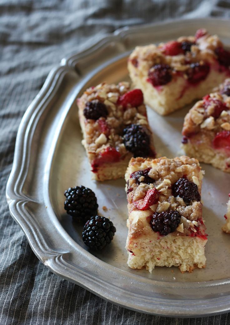 Crunchy Cinnamon Coffee Cake with Berries | Red Star Yeast