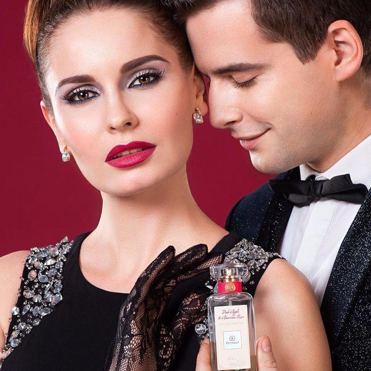 Plesová sezóna je tu! Také se chystáte vyrazit na nějaký ples? Pečlivý výběr správných šatů a doplňků je samozřejmostí, nezapomínejte ale ani na líčení ve stejném stylu! Na závěr kapku oblíbeného parfému (třeba neodolatelného PINK APPLE & AMERICAN ROSE) a můžete protancovat klidně celou noc... #dermacolofficial #dermacol #dermacol_cz_sk #dermacolcosmetics #plesovasezona #plesoveliceni #parfem #pinkapple #americanrose #perfume #dancingqueen #musthave #pearls #classy #elegance #teamelegance