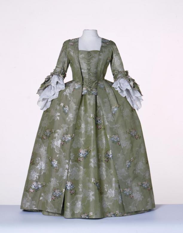 Tweedelige jurk 'Robe à la française; bestaande uit overkleed en rok | Modemuze