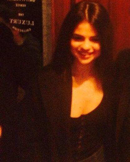 @selenagomez in Venice Italy! [January 30]  #SelenaGomez en Venesia Italia! [Enero 30]  #Selena #Selenator #Fans | #Selenators #BestFanArmy #iHeartAwards