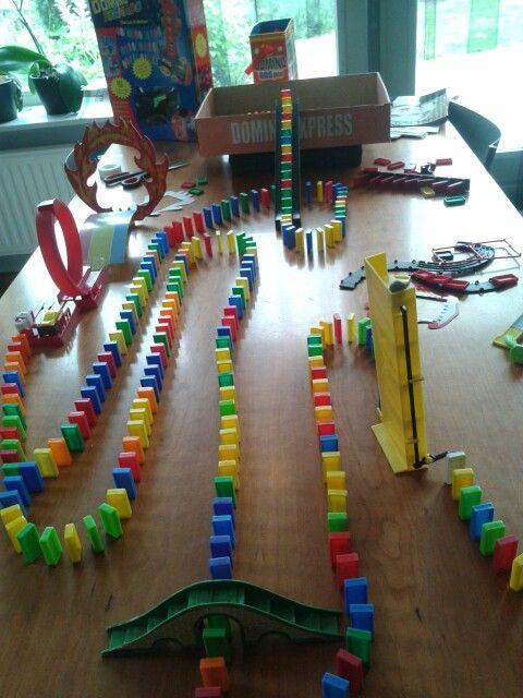 Best Rube Goldberg Domino Falls Andmazes Images On Pinterest - Video dominoes falling reverse simply mesmerizing