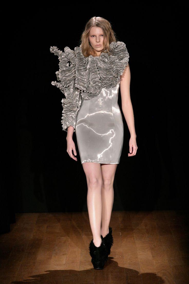 Escapism Couture | Iris van Herpen