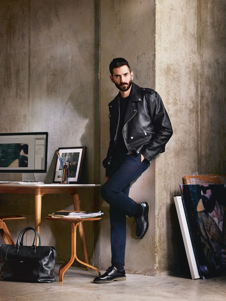 The #HOGAN Visionary Luke Waller presents the Route Collection for #CasualBusiness, an urban and high-tech reinterpretation of the traditional English style.