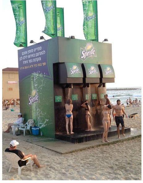 publicidad de una bebida en la playa, genial