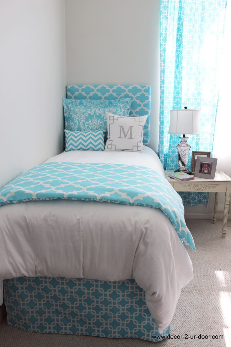 Girly Blue Bed in a Bag Set  Bright sky blue designer bedding set  Available. 441 best Decorate Your Dorm Room images on Pinterest