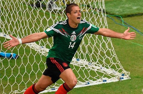 Hail (verb). Meaning: To greet, cheer or salute. Translation: Aclamar. Example. The Mexican football team hailed Chicharito after he scored the winning goal.