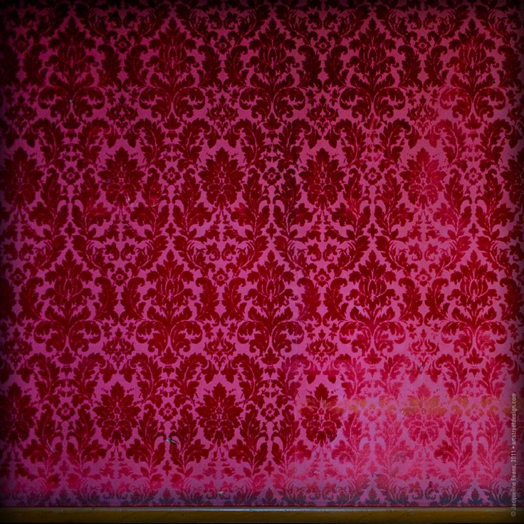 32 best images about wallpaper on pinterest velvet for Red wallpaper designs for walls