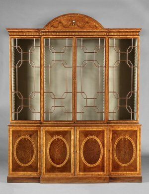 English 18th Century George III Satinwood, Harewood, Burr-Yew and Marquetry Breakfront Bookcase Attributed to Mayhew & Ince - Londonn